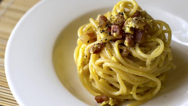 """Carbonara Day"", la ricetta per un'ottima carbonara e la variante vegetariana"