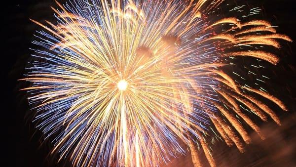 Festa patronale di Arenzano con bancarelle e fuochi d'artificio