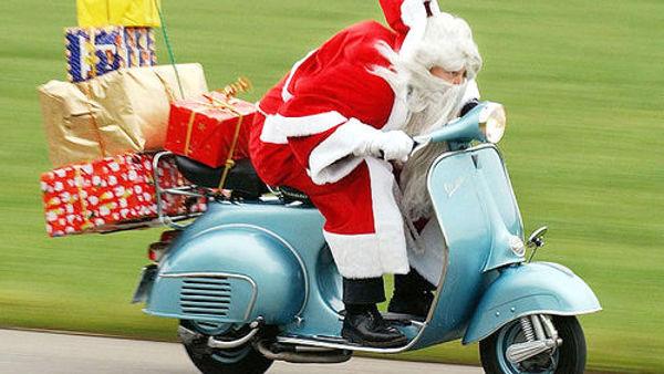 A Nervi arrivano i Babbi Natale in moto per i bimbi del Gaslini