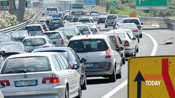 Incidente in autostrada: code tra Pegli e bivio A7
