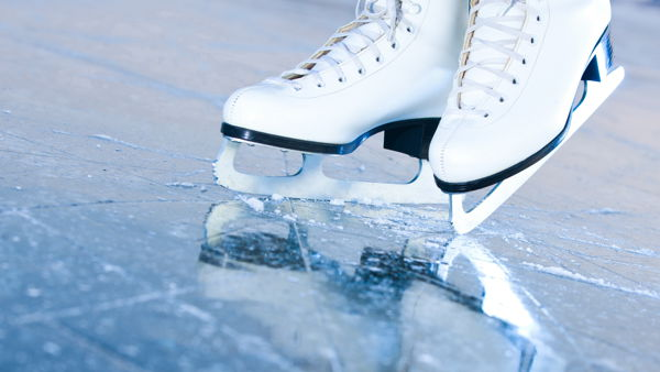 Riapre la pista di pattinaggio sul ghiaccio del Porto Antico