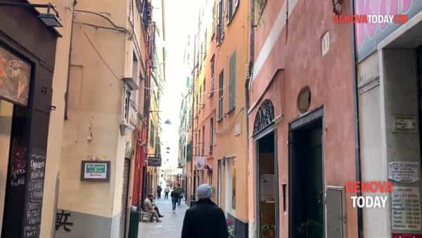 "VIDEO | In via Ravecca la prima ""sfuseria"" dei vicoli: «Genova è pronta all'onda green»"