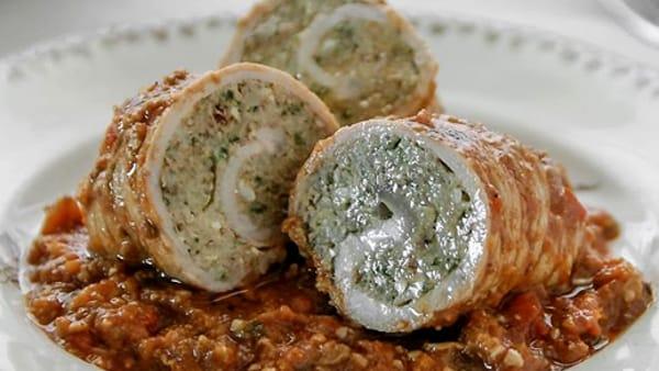 Tomaxelle, storia e ricetta tradizionale degli 'involtini' genovesi