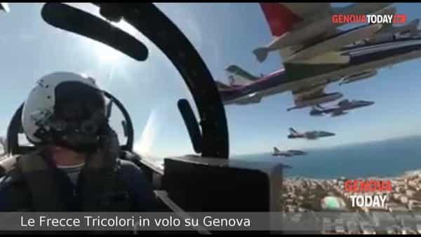 VIDEO | Il volo delle Frecce Tricolori su Genova, le immagini dall'alto