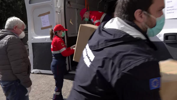 VIDEO | Consegnate alla Protezione Civile di Genova le mascherine donate dalla Cina