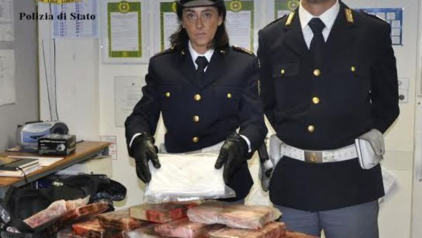 Cinquanta chili di cocaina sequestrati al Vte