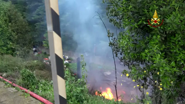 VIDEO | Incendio baracca a San Quirico