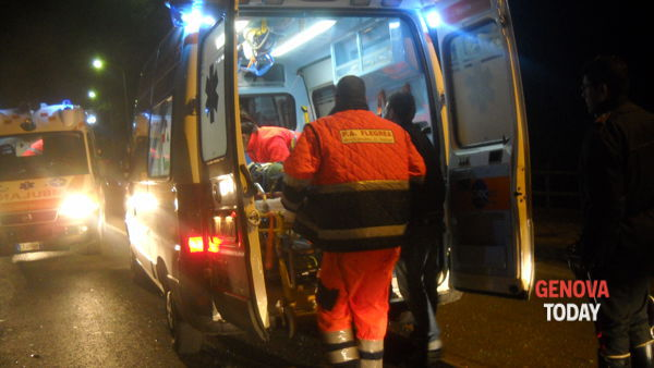 Frontale in lungomare Canepa, 31enne in coma
