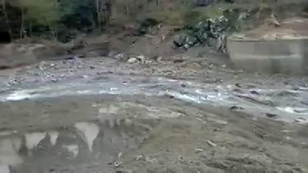 Alluvione in Valle Stura: liberato dai detriti il torrente, ma una frana blocca la provinciale