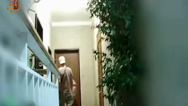Grimaldello bulgaro, ecco come facevano i ladri ad entrare nelle case | Video