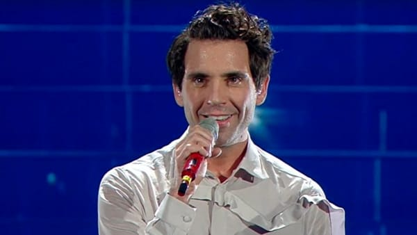 Sanremo 2020, Mika canta De André. Video