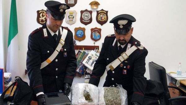 Rapallo: tre ventenni in manette, sequestrati 3 chili di marijuana e una pistola