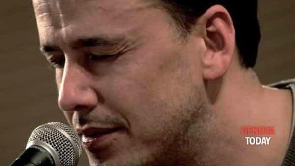"""Napo presenta il suo nuovo album """"Appunti di viaggio"""" e ricorda De Andrè"""