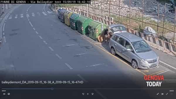 Abbandono rifiuti ingombranti, multe triplicate grazie alle telecamere. Video