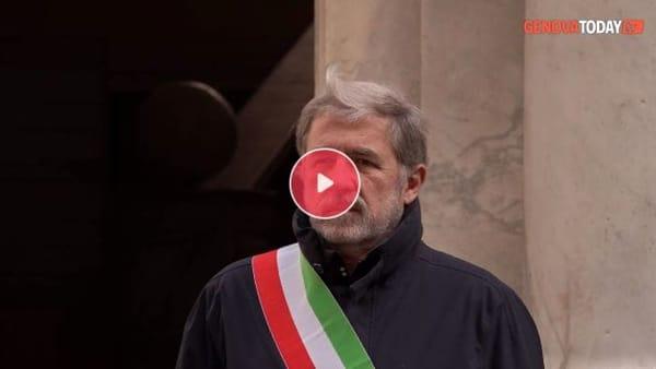 VIDEO | Coronavirus, il sindaco Bucci ricorda le vittime: «A voi il mio pensiero commosso»