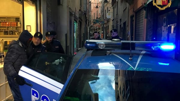 Accoltellato in via San Luca: arrestato l'aggressore
