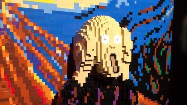 """""""The Art of the Brick"""", i capolavori creati con i Lego in mostra al Porto Antico"""