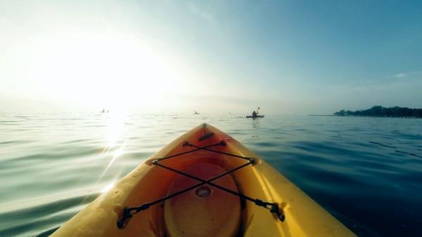 """""""Il viaggio in kayak"""": conferenza con presentazione della guida della costa ligure orientale"""
