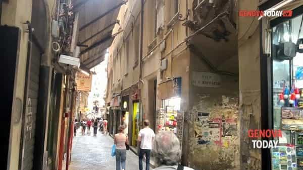VIDEO | Via San Luca in balìa di spaccio e degrado: «È diventata terra di nessuno»