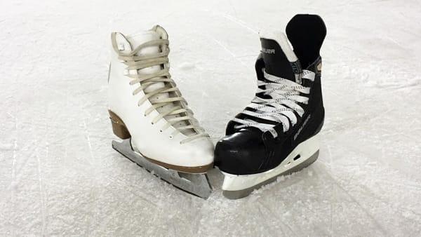 San Valentino: le coppie pagano un biglietto solo per pattinare sul ghiaccio