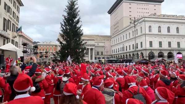 Torna la Camminata dei Babbi Natale per il Gaslini