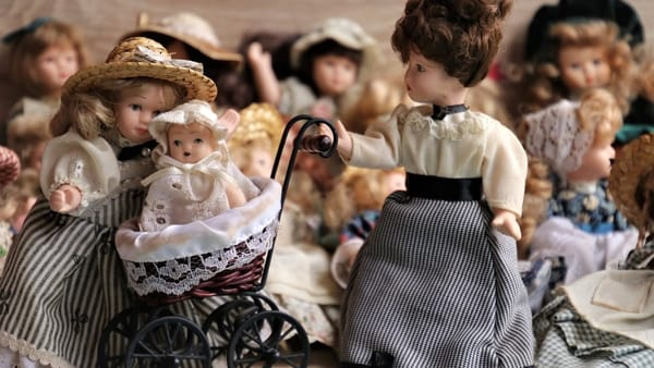 Bambole: storie di una passione senza tempo
