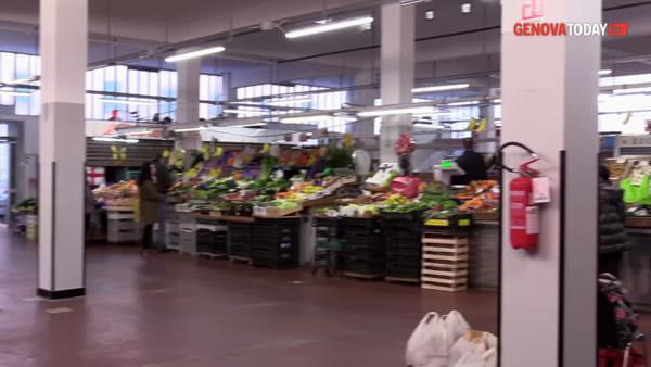 VIDEO | Mercato di Certosa, l'allarme dei commercianti: «Non c'è più nessuno»