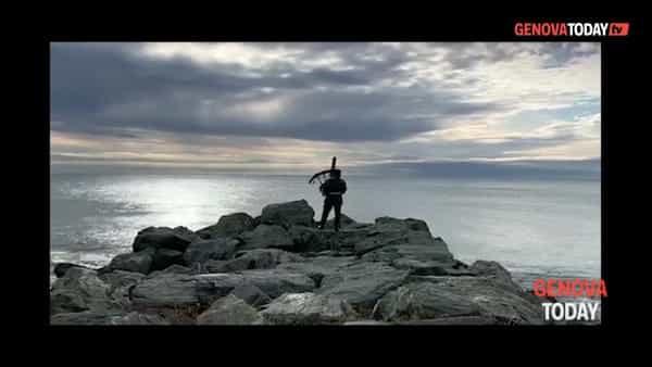 Suona la cornamusa per attirare le orche. Video