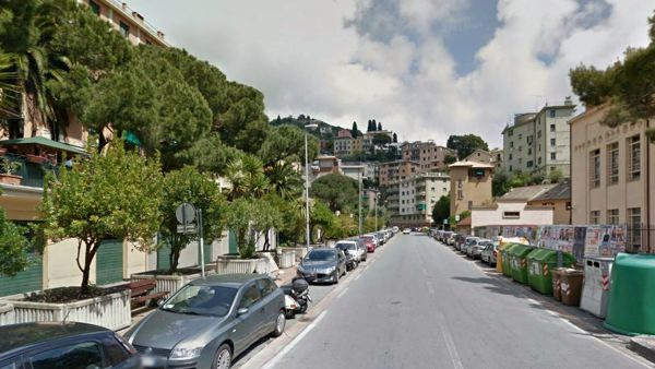 Nervi: clochard trovato morto in un'aiuola