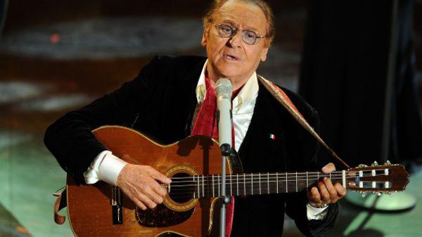 Renzo Arbore e l'Orchestra Italiana live al Carlo Felice