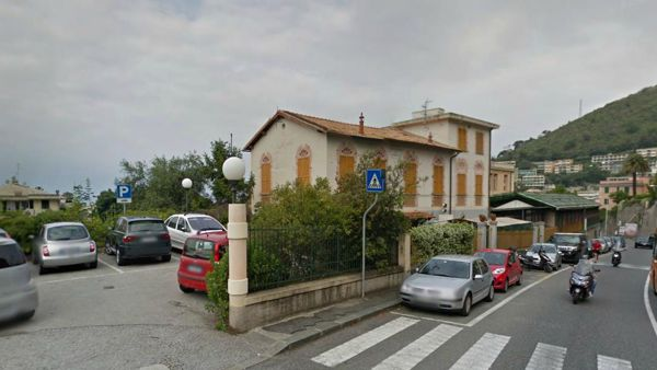 Nervi: incidente stradale in via Donato Somma, grave scooterista
