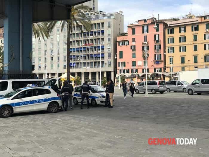 Controlli al Porto Antico - Foto GenovaToday 2