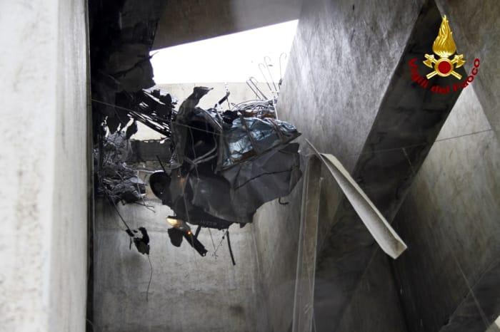 Crollo Ponte Morandi - Foto Vigili del Fuoco 2